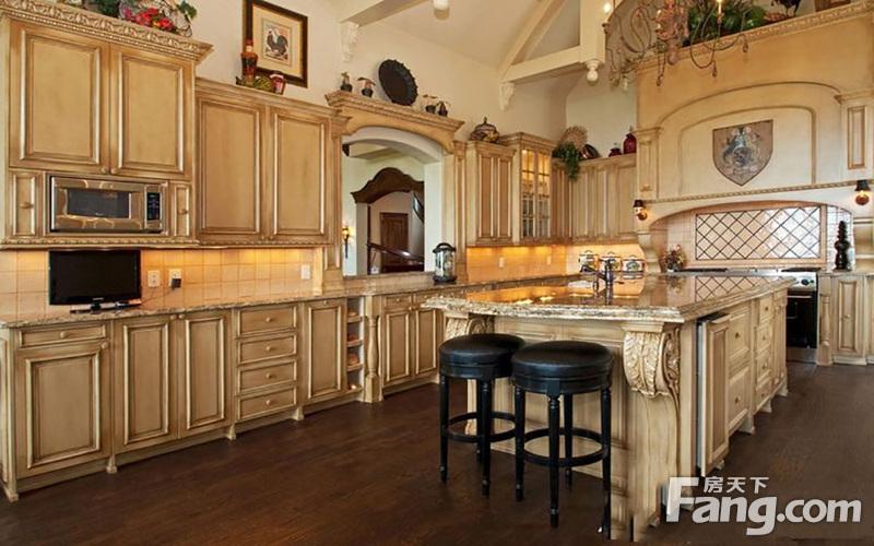 在厨房平面设计图中画出所需