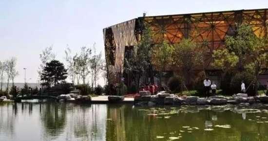 生态体验园,儿童游乐园等特色景区和景点,致力办成富有秦皇岛地域特