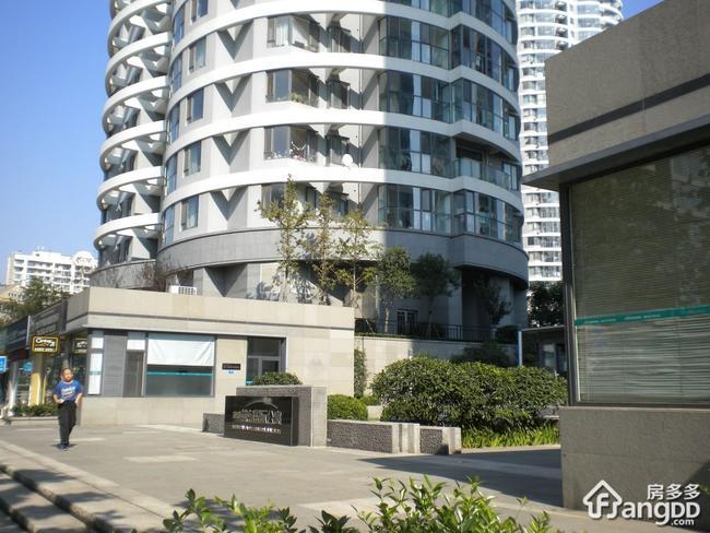 青岛海信燕岛国际公寓是哪个开发商的?
