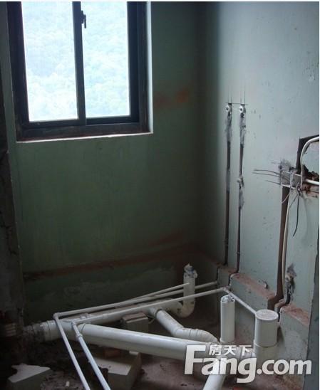下沉式卫生间二次排水孔装在什么位置好 下沉式卫生间回填处理方法图片